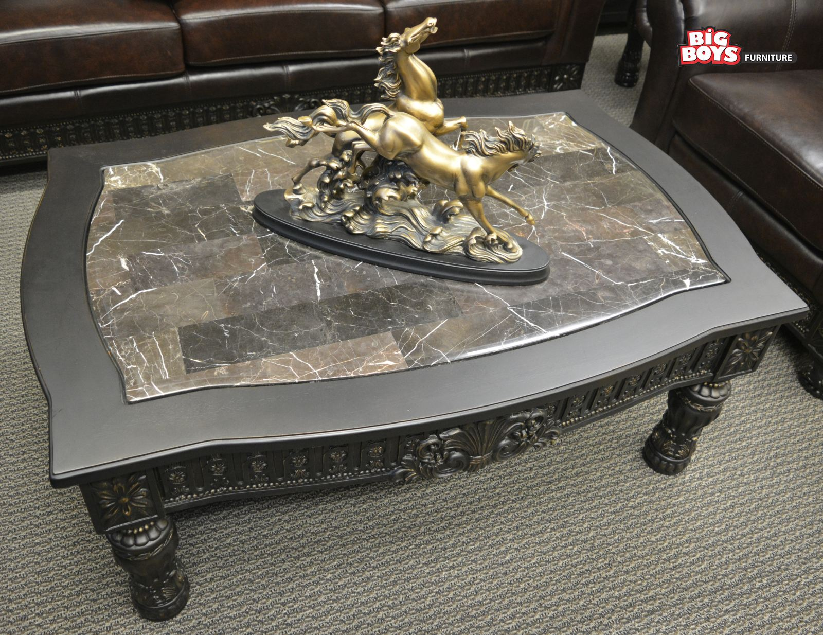 This kind of table make your living room more stylish